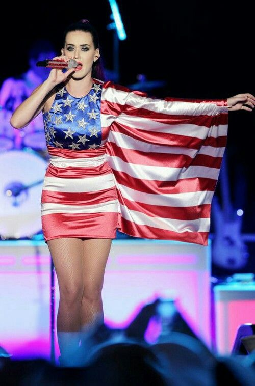 Katy Perry American flag dress! one of my favs! Almost everything she wears is my favourite!