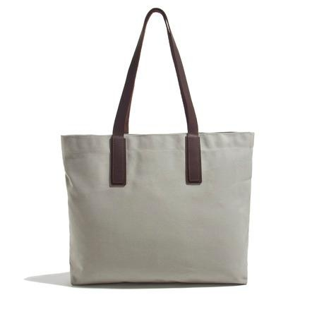 everlane classic tote in grey.