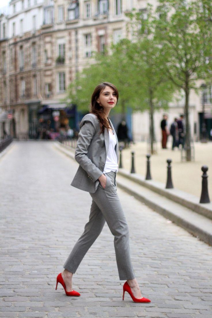 Les superbes escarpins Rupert Sanderson sur le blog TheBrunette, très joli look de working girl!