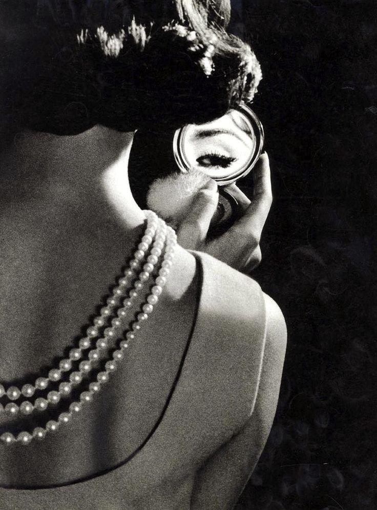leblogdesovena:    Anonyme, Rim-Elle. Regard poudré, 1950
