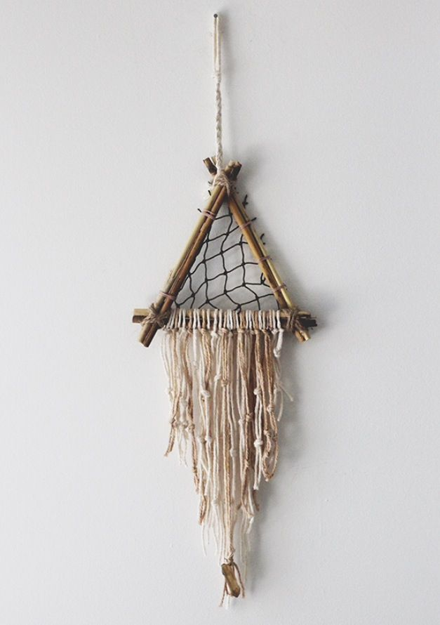 Dream catcher inspiration diy decor inspiration for Ideas for making dream catchers