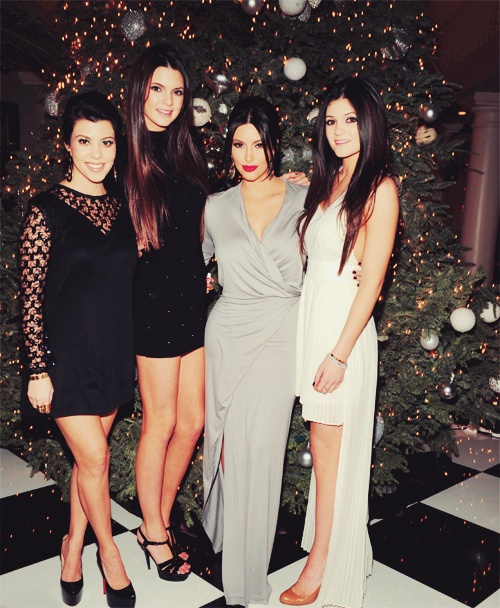 Kendall & Kylie Jenner Kourtney & Kim Kadarshian