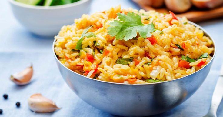 Servir des brochettes de poulet sans ce riz? Non, c'est impensable