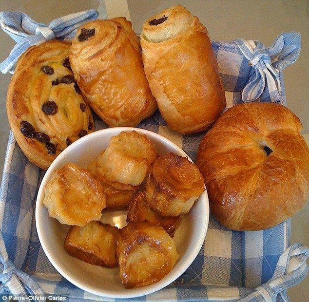 French breakfast - Croissants, petit pain