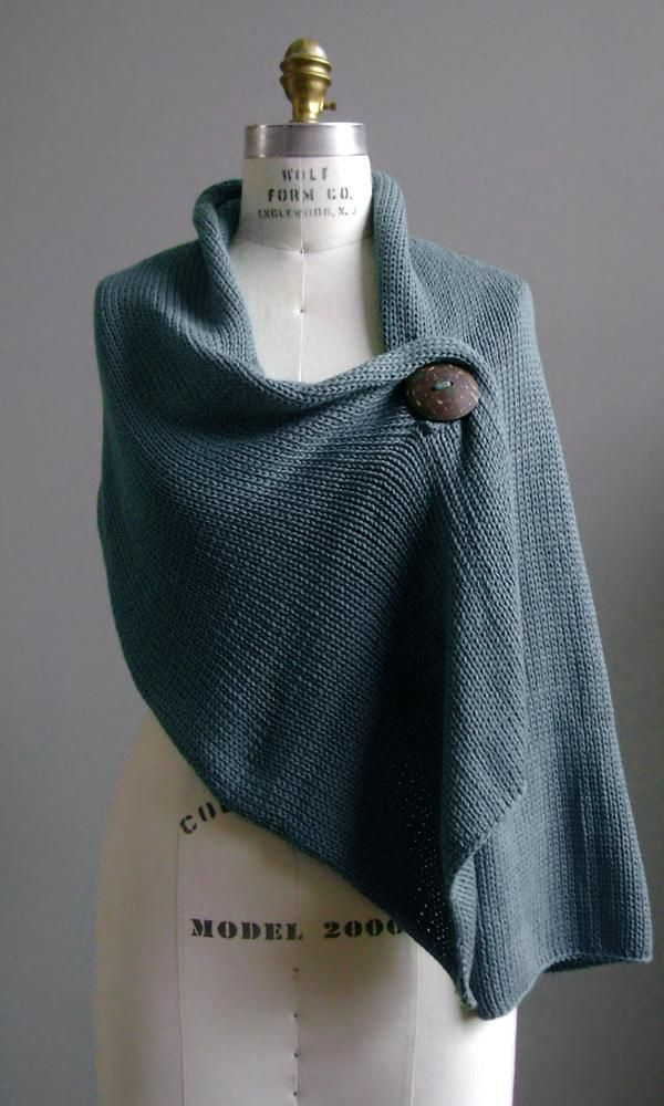 simple shawl. Since I don't crochet, I'd have to find a great fabric to sew this one up.