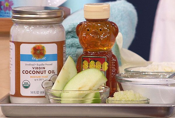 Dermatologist Dr. Sandra Lee says fall weather means not only switching out the clothes in your closet, but also changing your beauty regime. She shares a recipe for an at-home moisturizing facial.