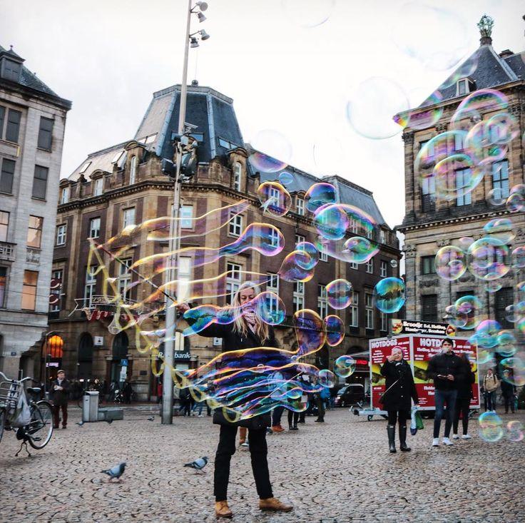 Royal palace of  Amsterdam con @waynabox   #likeawayner !! . . #traveltosurprise #travel #traveling #viajes #trips #travelblogger #travelingtheworld #amsterdam #holland #netherlands #iamsterdam #wunderlust #instapics #pics #instagood  waynabox.com