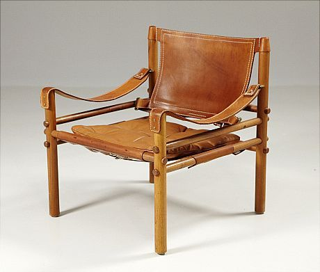 "Vintage wood and leather chairs up for auction. I had a couple of these once. FÅTÖLJ, Arne Norell, ""Sirocco"", ljus skinnklädsel."