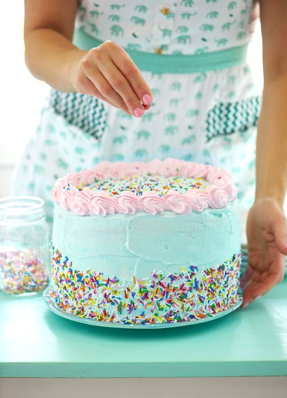 Birthday Party Ice Cream Cake with Oreos and Ice Cream Sandwiches via Sweetapolita