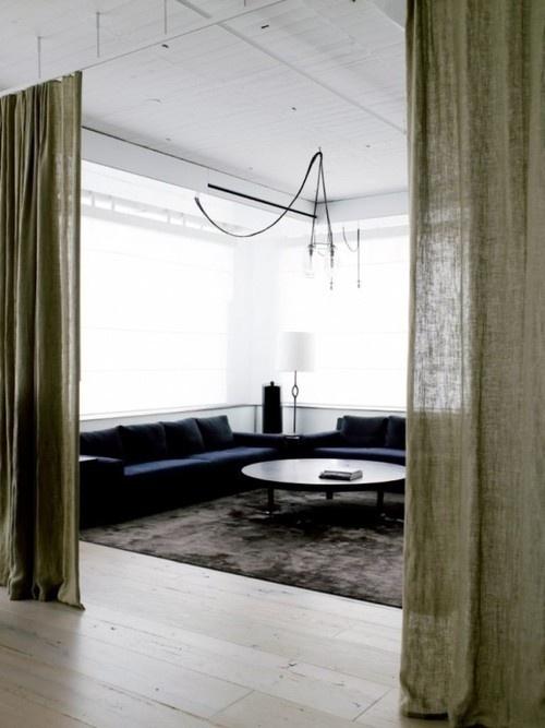 textiles as room divider. rideau separatif. loft