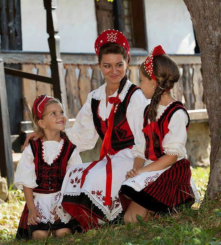 Székely lányok- Székely girls in traditional wears. The Székelys  (sometimes also referred to as Szeklers) are a subgroup of the Hungarian people living mostly in the Székely Land.
