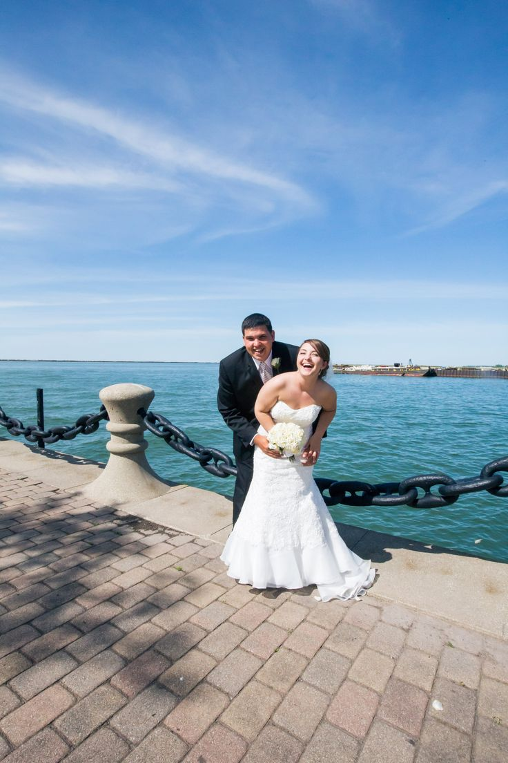 wedding picture locations akron ohio%0A Downtown Cleveland  Ohio wedding   Voinovich Park