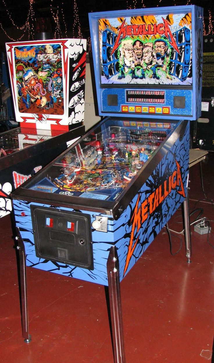 Metallica Pinball Game this would look great in my game room:)