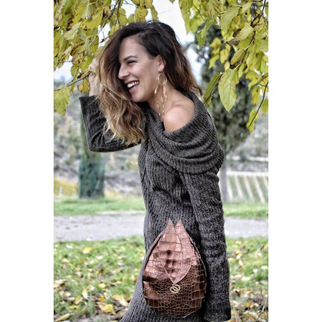 #mylittletinkerbell   A good life is when you smile often, dream big, laugh a lot and realize how BLESSED you are for what you have.  .  .  .  .  .  .  #ootdshare #ootd #ootdfashion #instafashion   #inspirationproducts #madewithlove #handmade #designforapurpose #madeinitaly #womenempowerment #womenarethefuture #fashiongram #baglovers #bagaddict #bagblogger