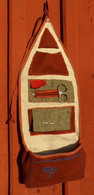 Utsidan     Jag har gjort en sån här.   Jag tror det heter mesma eller masma, ursprungligen ett samiskt syetui. Den blev inte bra, d...