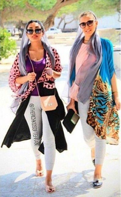 فشن شو در خیابانهای تهران مبارزه بانوان ایرانی با حجاب