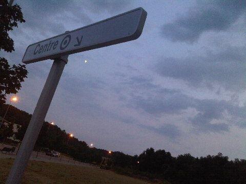 La luna justo en el 'centro'.. X-)