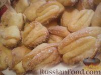 """Фото приготовления рецепта: Творожное печенье """"Гусиные лапки"""" - шаг №8"""