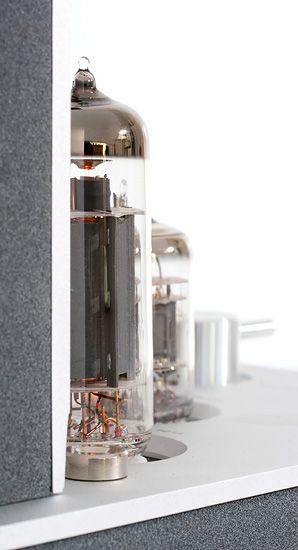Luxman SQ-N100 -putkivahvistin ja D-N100 -CD-soitin.