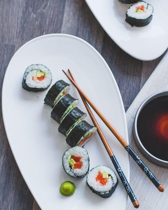 Om sushi te maken heb je eigenlijk niet veel nodig. Ik leg jullie uit hoe je Futomaki maakt, dat zijn de klassieke sushirollen. En hé, ook dat valt best wel mee!