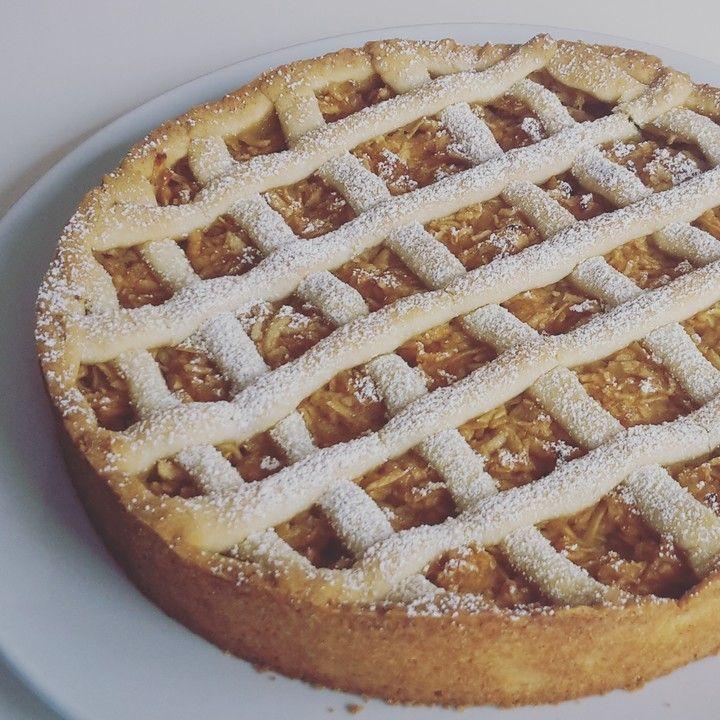Gedeckter Apfelkuchen, ein tolles Rezept aus der Kategorie Kuchen. Bewertungen: 127. Durchschnitt: Ø 4,7.