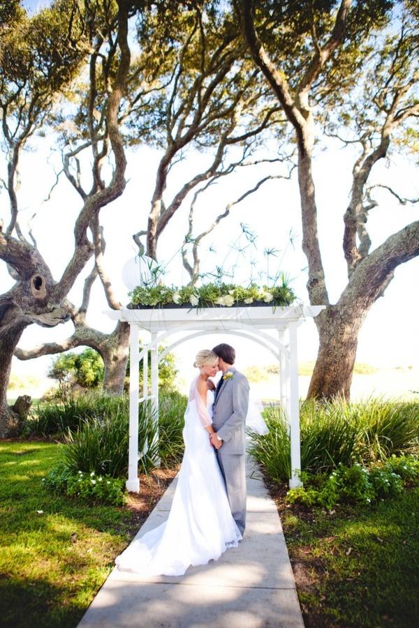 Jekyll Island Georgia Wedding Right Above The Beach Under Oak Tress
