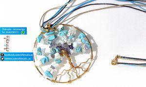 Collar Largo Referencia: c_lar4 Valor: $45.000 Para: Mujer Material: Oro Goldfield y piedras celestes, blancas y transparentes. Cuidados: Evitar el contacto con perfumes.