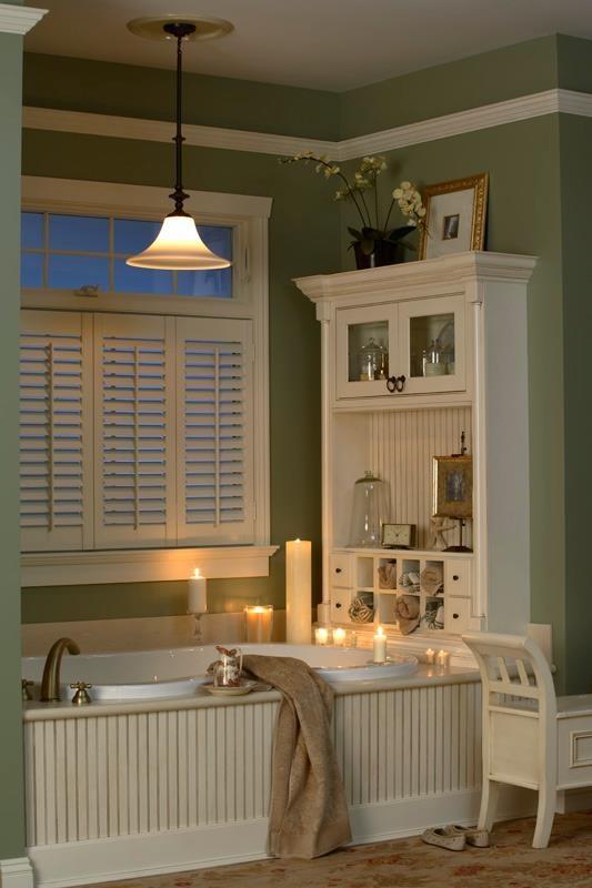 Dreamy #tub for a small, cozy #bathroom