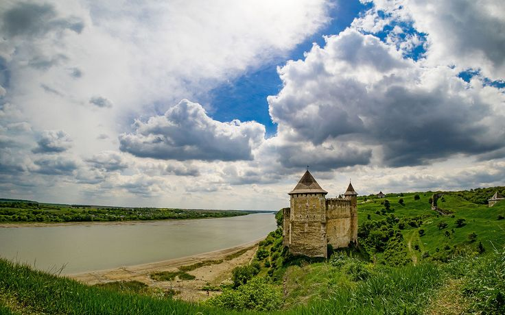 Ukraine's Khotin fortress - view from hill.jpg by Курля Сергій