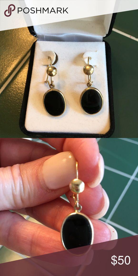 Best Black Onyx And 14K Gold Earrings Oval Black Onyx Dangling 400 x 300