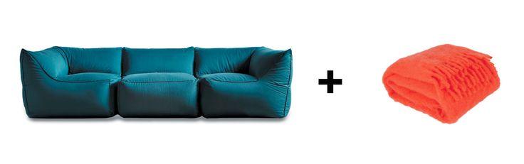 Esuberante ed accogliente nella sua totale assenza di struttura, il #divano #Limbo di #Pianca + #coperta in #lana #mohair con frange di #Zara