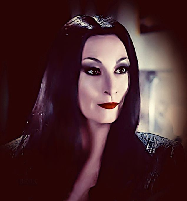141 best images about addams family on pinterest a love carolyn jones and addams family morticia. Black Bedroom Furniture Sets. Home Design Ideas