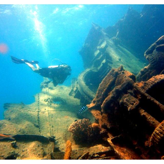 Beautiful Places Underwater: Saipan, Shipwreck Dive. Beautiful Place.