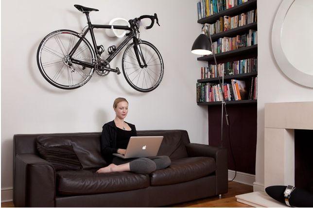 maneiras para pendurar sua bicicleta na parede como uma obra de arte