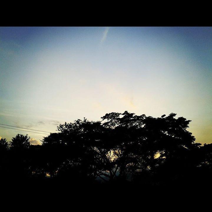 Y se viene la noche en la capital de la Alegría. #Cali