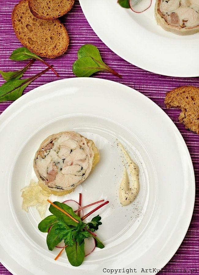Galantyna z kurczaka z boczkiem i natką pietruszki | Chicken galantine with bacon and parsley
