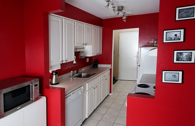 Tile splashback ideas pictures red painted kitchens for White cabinets red walls kitchen
