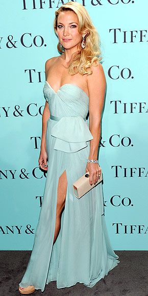KATE HUDSON Kates strapless Reem Acra gown may be Tiffany blue, but we think the flowy design would be stunning for a bride. She tops off the look with pear-shaped diamond earrings and a dazzling bracelet at Tiffany & Co.s N.Y.C. fête.