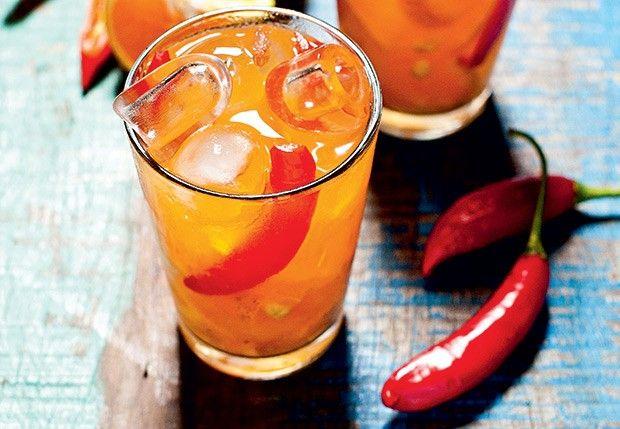Caipirinha de tangerina com pimenta dedo-de-moça