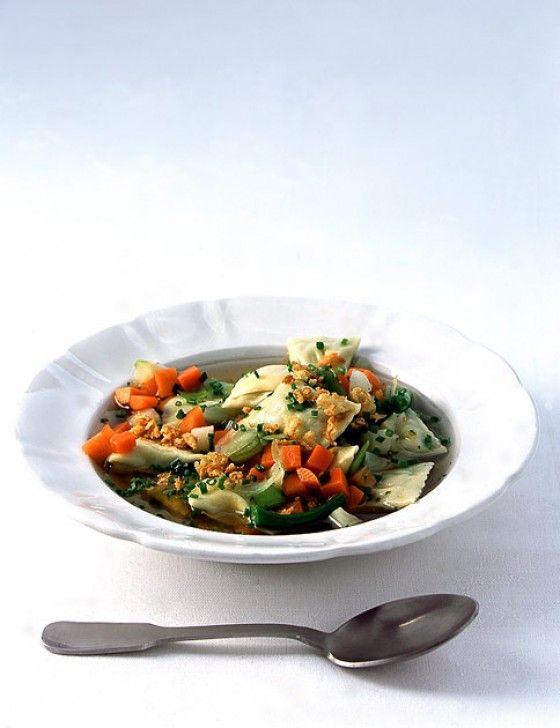 Maultaschen-Gemüsesuppe