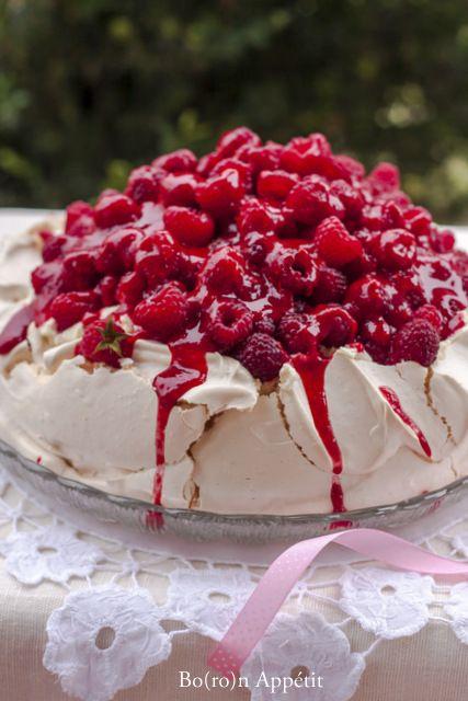 Blog Bo(ro)n Appétit: Tort Pavlova z malinami