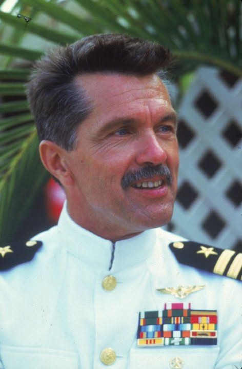 Still of Tom Skerritt in Top Gun (1986)