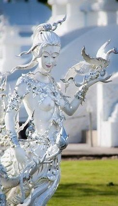 Spectacularly Strange White Temple in Chiang Rai, Thailand