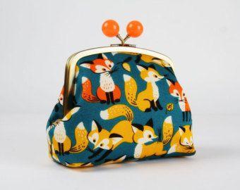 Besace sacoche avec cadre métallique - Big renards sur bleu foncé - couleur bobble sac à main / japonais tissu mignon / les renards Kawaii jaune et orange / noir