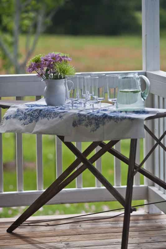Outdoor Dining in Country French Style. Vintage Ironing BoardsCountry ... - Best 25+ Vintage Ironing Boards Ideas On Pinterest Rustic