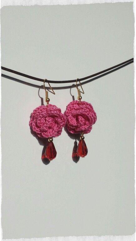Crochet flower earrings with beads