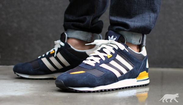 Reduced Mens Adidas Zx 700 - Pin 55028426668967553