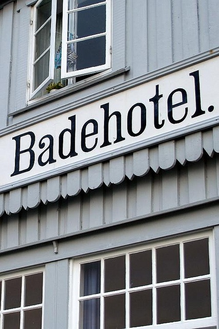 Svinkløv Badehotel, seaside in North Jutland has soul and charm, and a very own rustic atmosphere, and so are they inherently unusually beautiful - close to the beach and sea with the perfect setting for relaxation and pampering.