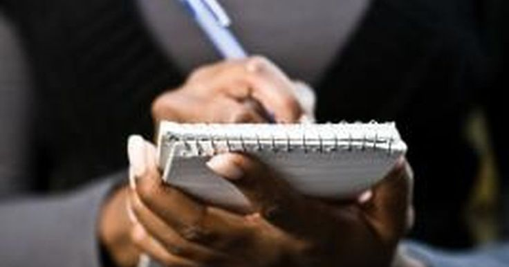 Cómo escribir una carta formal de queja al consejo escolar. Las cartas de queja se emiten al consejo escolar por la única razón de hacer constar una crítica o problema. Las cartas escritas al consejo escolar deberían ser formales, directas y respetuosas. Cuando escribes una carta de queja, dirígela a todo el consejo o a un miembro específico del mismo. Mantén la carta breve y en el punto, asegurándote de ...