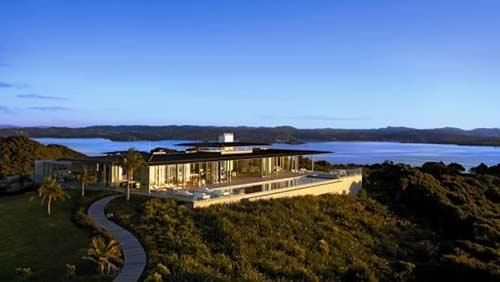 Beautiful minimalist house in New Zealand | HomCozy